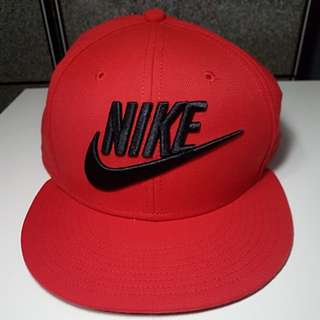 Authentic brand new Nike Snapback red