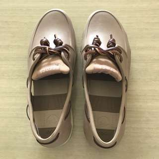 Crocs男款休閒鞋