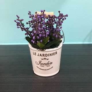 Artificial flower for display