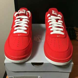 NIKE AIR FORCE 1 UNIVERSITY RED