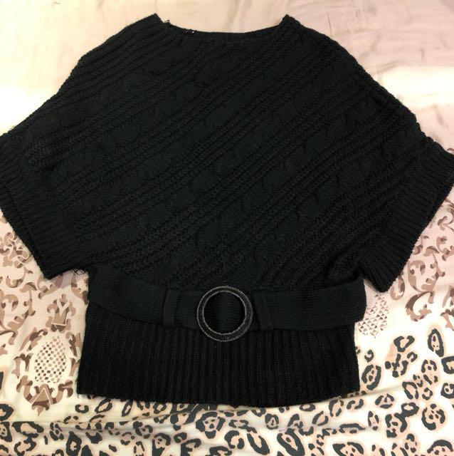 黑色厚針織蝙蝠袖有腰帶上衣
