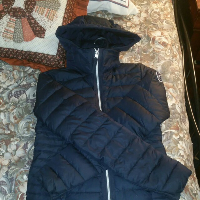 Abercrombie puffer jacket  XS