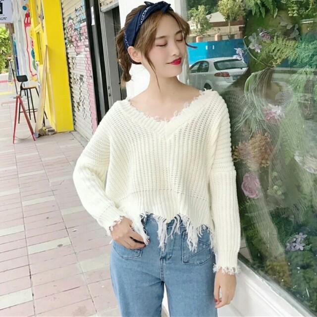 [Beststyler] tassel top loose V-neck sweater long-sleeved casual student shirt
