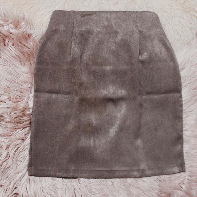 Brown Highwaisted Knee-length Skirt