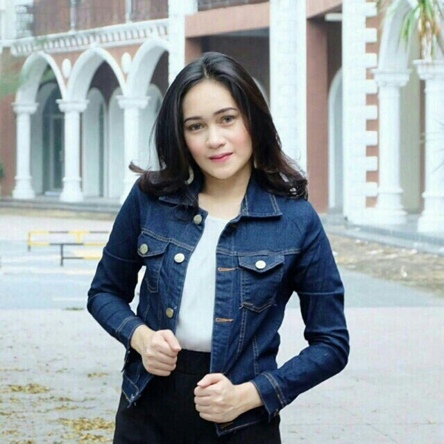 BSC. AURORA JAKET LIGHT BLUE 79.000  Bahan jeans Tebal Ld.86cm Pj.57cm