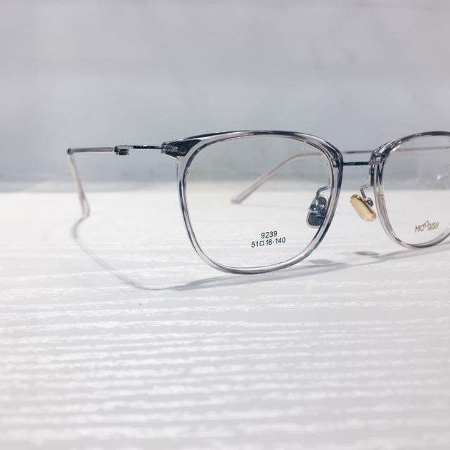 CLEAR GLASSES/ SPECTACLE FRAME