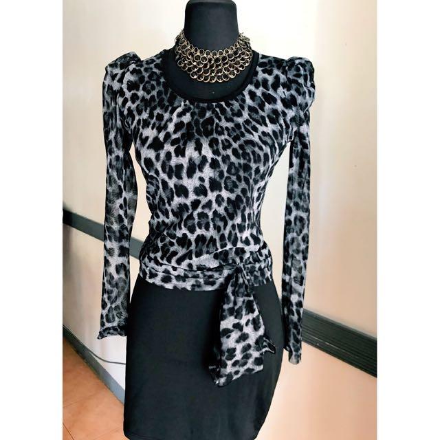 Elegant leopard print dress