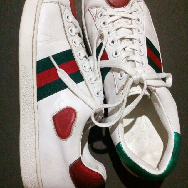 6a3752574db Gucci Ace Heart Sneakers (ORIGINAL!) Size 8 9