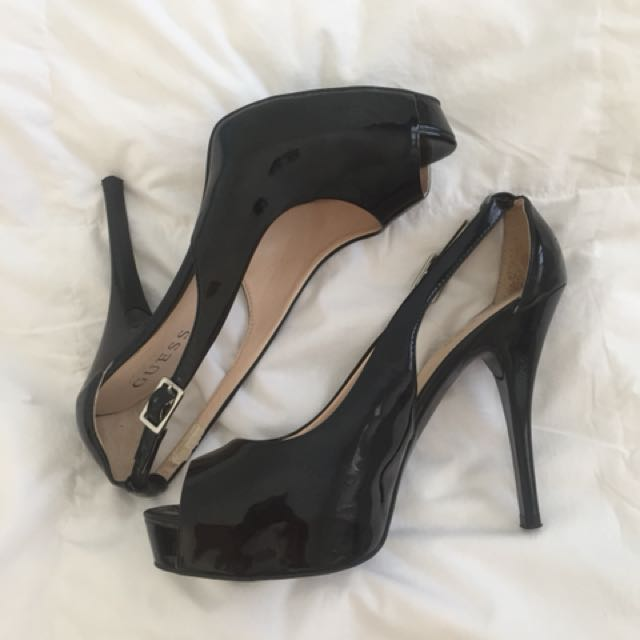 get new quality amazon Guess black stiletto pumps, Women's Fashion, Shoes on Carousell