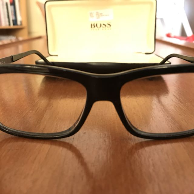 Hugo boss reading glasses warna hitam