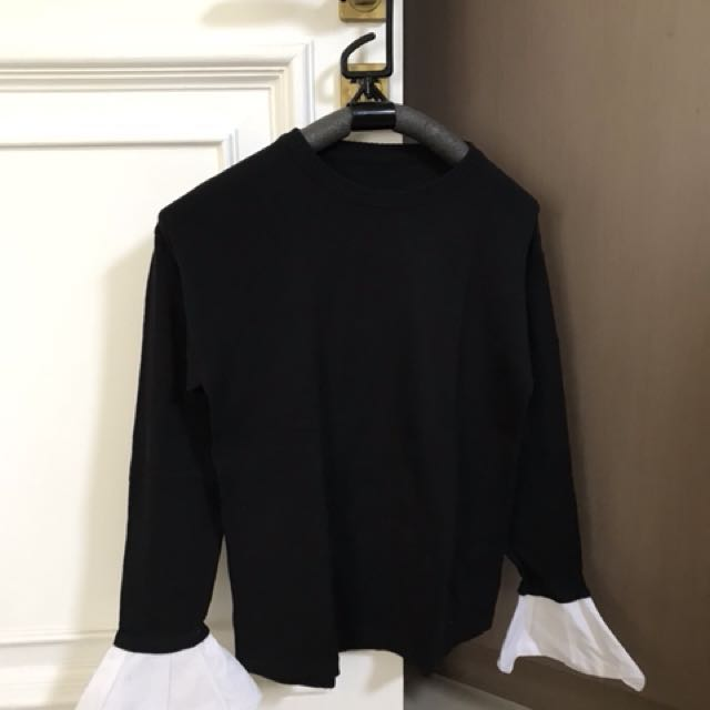 Knitwear with cotton attachment