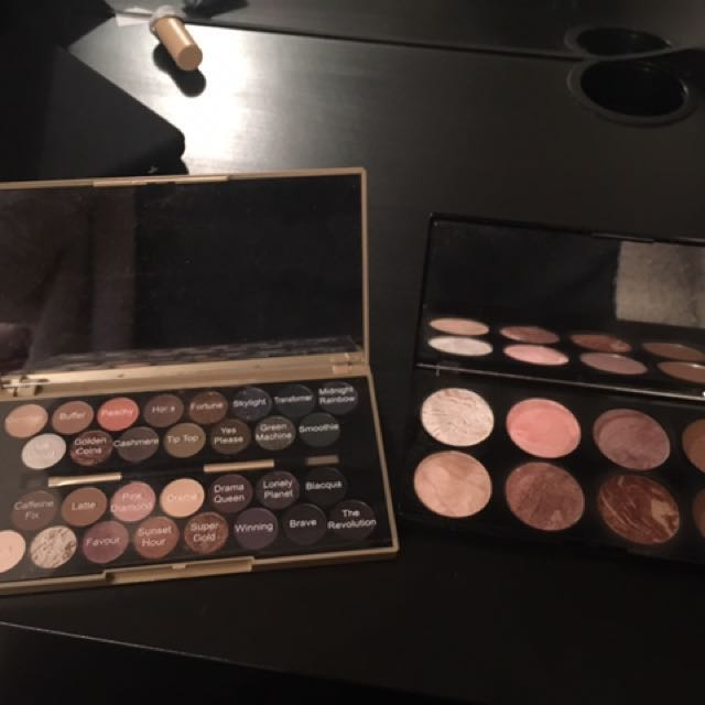 Makeup Revolution Eyeshadow And Ultra Blush Palette Bundle