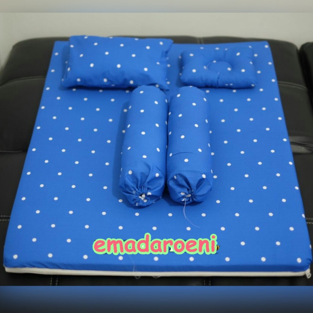 Matras Bayi Set Besar Polkadot Bantal Peang Guling Babies Kids Others On Carousell