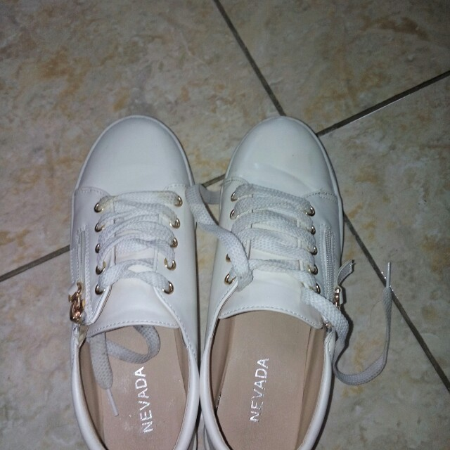 Nevada White Sneakers / white shoes