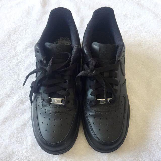 Nike Air Force 1 (Black)
