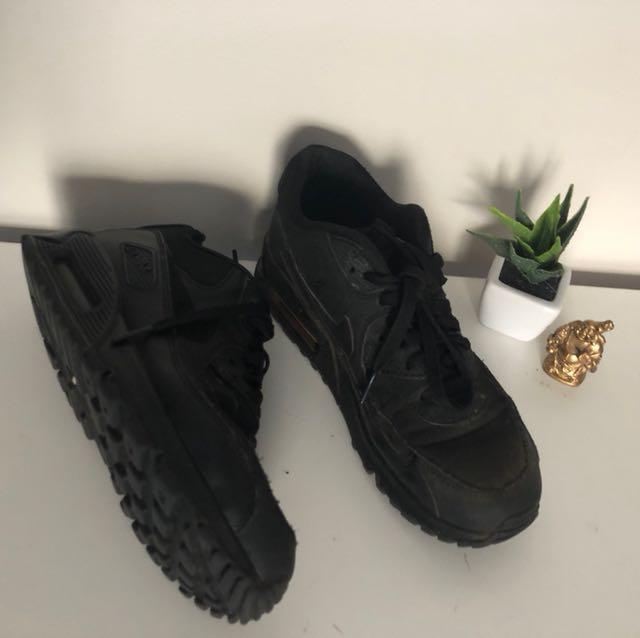 Nike Air Maxes Size 6