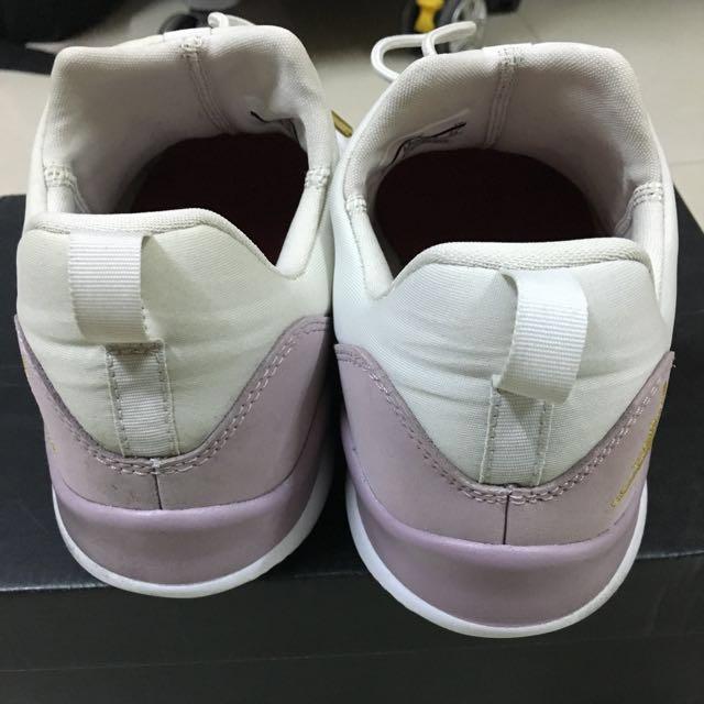 c51b6cba5987 Nike Jordan deca fly prem 6號粉紅色