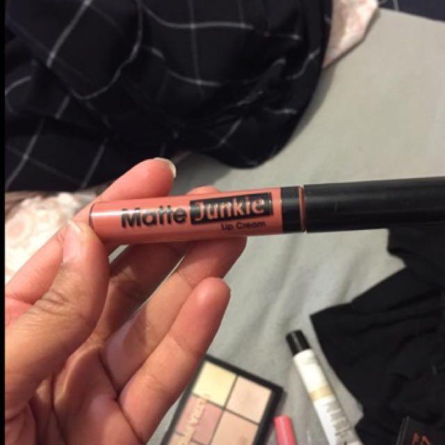 Pink/nude Lipsticks
