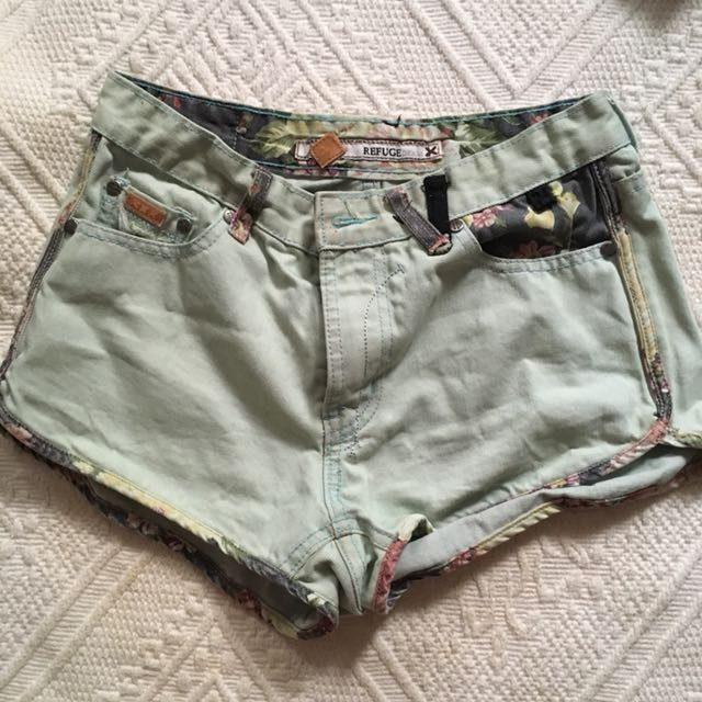REDUCED  Jeans shorts