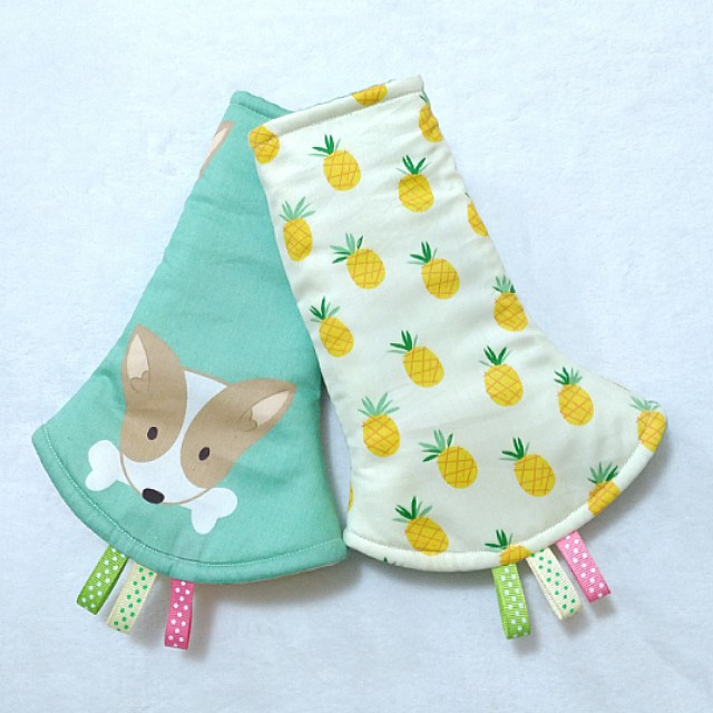 Reversible Drool Pads - Dog and Pineapple