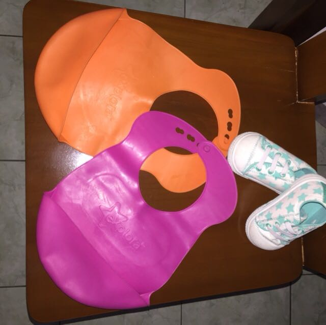 Set Baby shoes and BiB