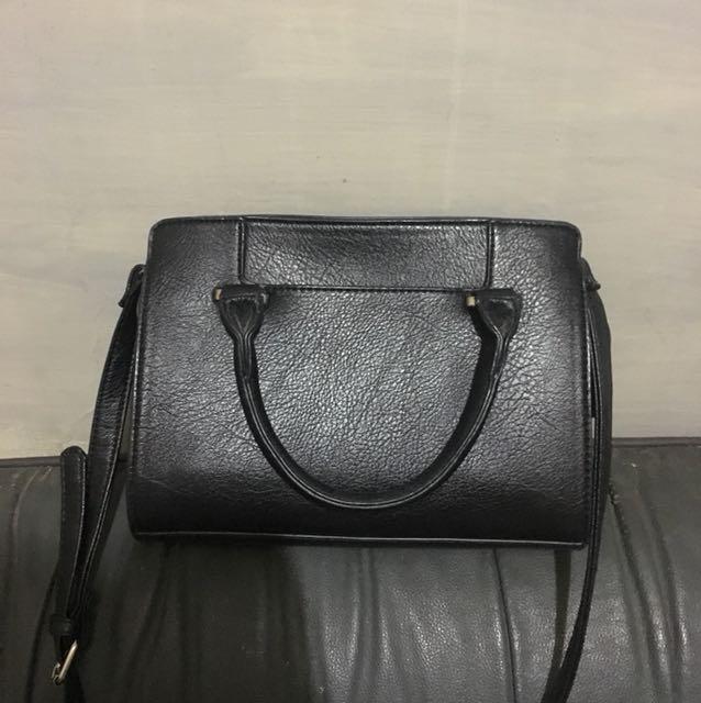 Stradivarius sling/handbag
