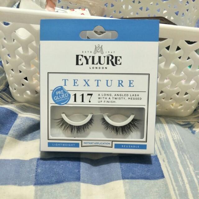 Texture lashes