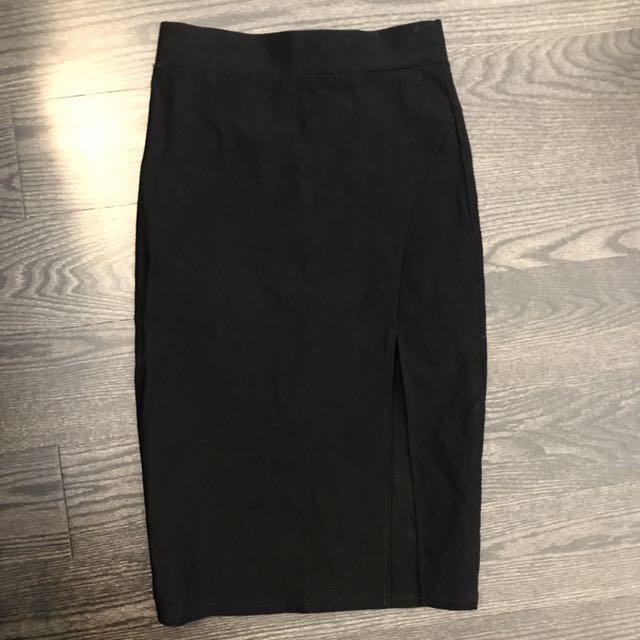 Thigh-Slit Pencil Skirt