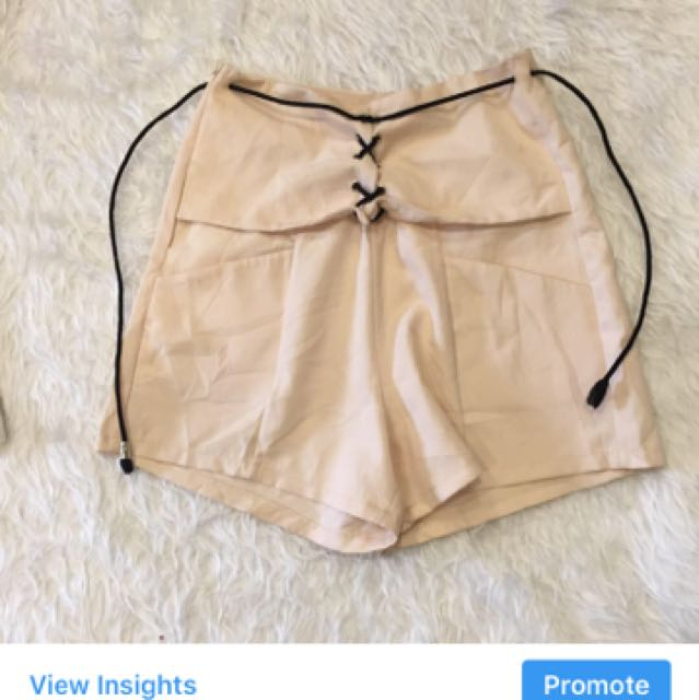 Tie knot shorts