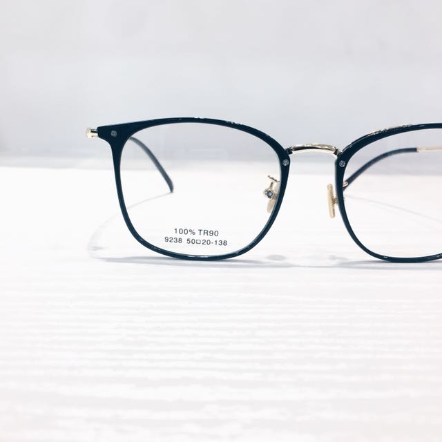 TRENDY VINTAGE GLASSES/ SPECTACLE FRAME