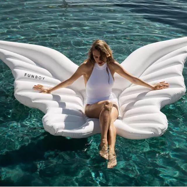 Wings float