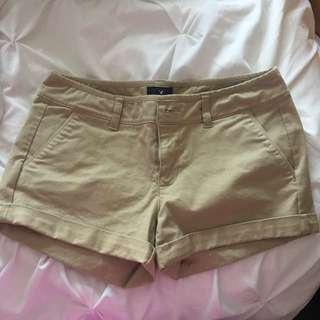American eagle kahki shorts