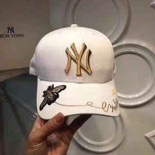 The Ultimate fashion accessory ! Major League Baseball fashion caps