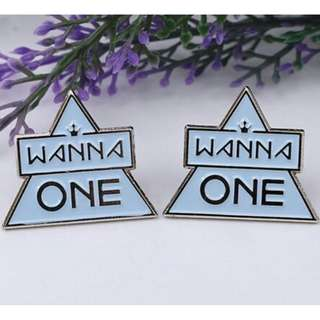 Preorder - WANNA ONE LIMITED BADGE (EACH) exc.pos