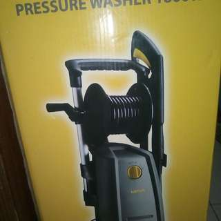 Water preasurizer Rush sale never beem used for swimmng pools or car wash originsl prize is 8000 now 5000