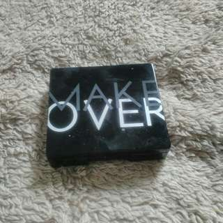 MAKEOVER TRIVIA EYESHADOW