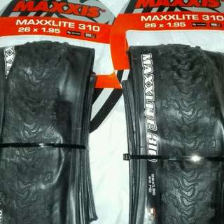 MAXXIS MAXXLITE 310 26 X 1.95 ULTRALIGHT TIRES 超輕外呔 ,310g,170TPI $. 1對 , 送撬呔棒2枝