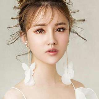 Anting jepit korea white feather butterfly ear clip