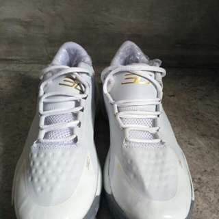 Sepatu Sneakers Under Armour Size 42 99% NEW