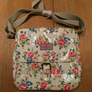 Authentic cath kidston latimer rose white pink mini satchel crossbody bag floral oilcloth ( new without tag)