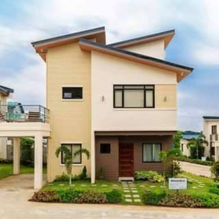 SINGLE DEATCHED HOUSE IN CALAMBA LAGUNA