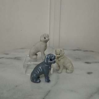 Vintage Three Chinese Export Models Of Hounds height 5-7cm 3pcs