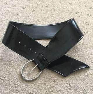 Bardot patent belt