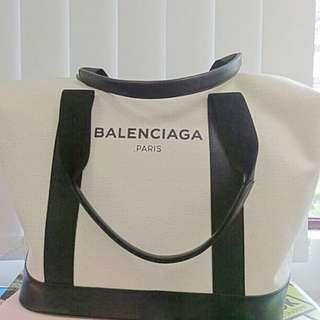 Balenciaga Logo Graphic Duffel bag