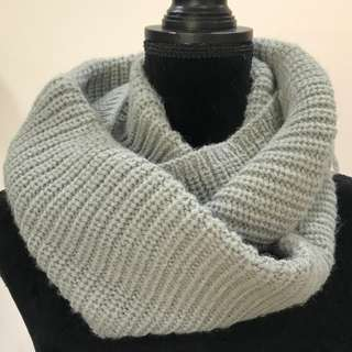 BRAND NEW Grey Knit Neck Warmer Stole Scarf Snood (FROM JAPAN)