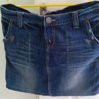 Rok jeans pendek