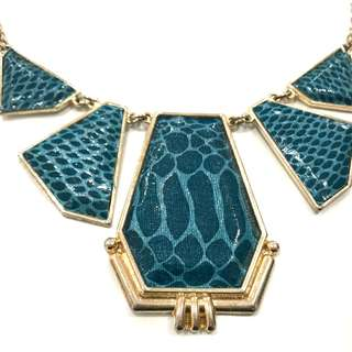 CUTE Turquoise Blue Pattern Necklace