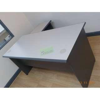 SA SERIES SET EXECUTIVE TABLE L TYPE :)