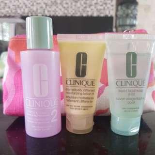 CLINIQUE Daily Essentials (Dry Combination Skin) Travel Set