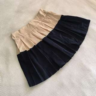 Cream and Navy pleated tennis skirt